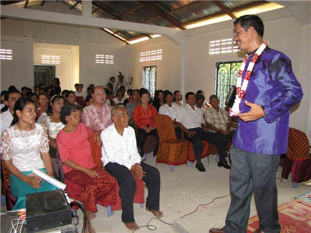 Barnabas preaches dedication at Chrab Krasang Church